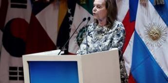 Por primera vez una académica habla en Congreso de la Lengua Española