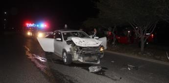 Brutal carambola automovilista deja 3 lesionados