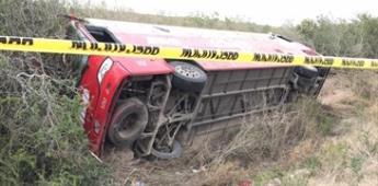 Vuelca camión de pasajeros en Tamaulipas; hay un muerto y 10 heridos