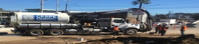 Repone la CESPE tubería de drenaje colapsada sobre la avenida Ruiz
