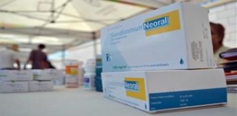 AMLO arremete contra opositores por estrategia en compra de medicinas