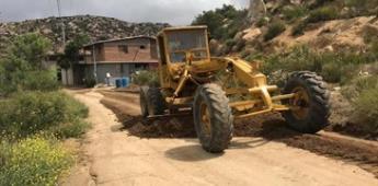 Gobierno de Tecate realiza trabajos de motoconformado, embellecimiento de espacios públicos