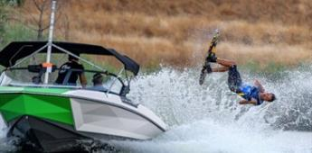 Mexicano Patricio Font, campeón del US Masters de esquí acuático