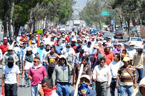 Marchas de maestros en D.F. y Guerrero