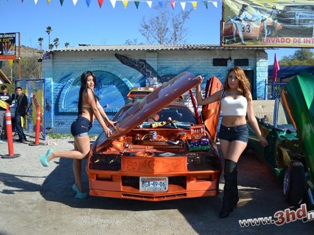 Exhibición de autos en La Gloria