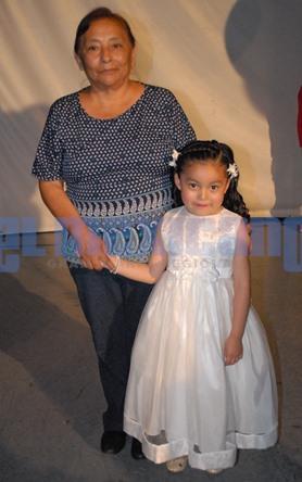 Graduación de Jacqueline Oliva Mendez