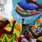Exhibición de globos de Cantoya en Veracruz alegra el cielo