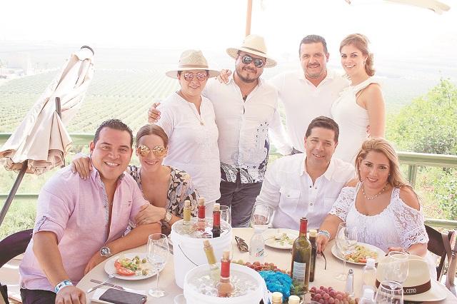 Fiesta de Vendimia derroche de Juventud en Valle de Guadalupe 2-2