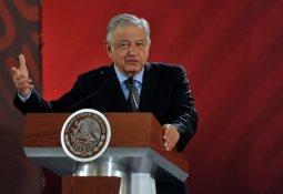 México no se comprometió a cerrar sus fronteras: Muñoz Ledo