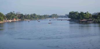 Elementos de Semar frenan ingreso de migrantes por el río Suchiate