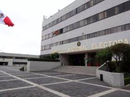 Alista INE contrato para producción de nuevas credenciales