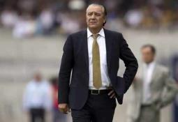 Oribe Peralta no era referente de América, afirma Miguel Herrera
