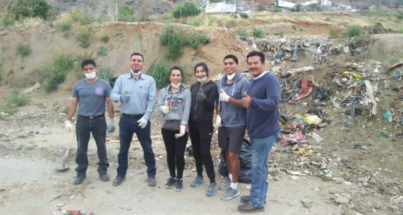 Recogen media tonelada de basura durante limpieza del Rio Tecate