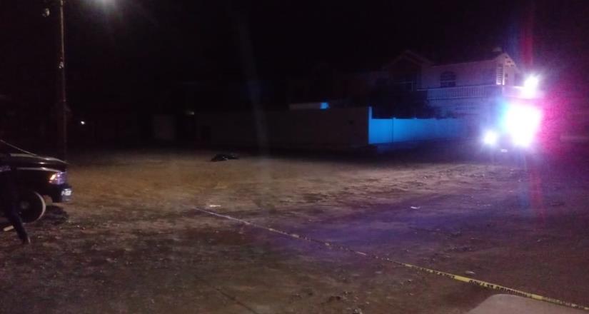 Asesinan a otro en una calle de la colonia Lázaro Cárdenas