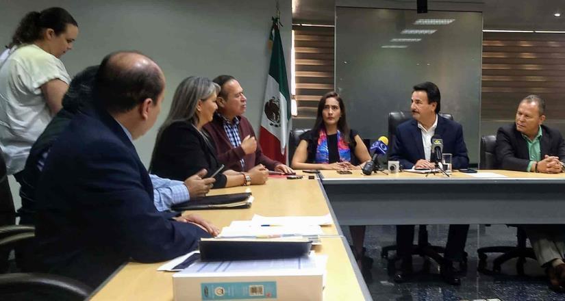 Ríspida reunión entre alcalde electo y alcalde en funciones