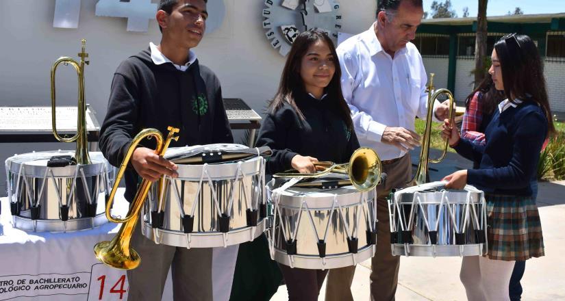 Formarán alumnos de CBTA 307 Banda de Guerra