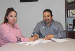 Reconoce alcalde trabajo binacional ante miembros de SBC