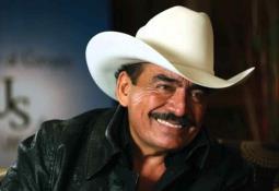Juan Osorio es asaltado y golpeado en su casa