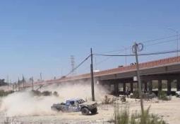 Entrega Marco Novelo tinacos en la zona sur de Ensenada