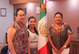 Impulsa Poly de México educación de hijos de colaboradores