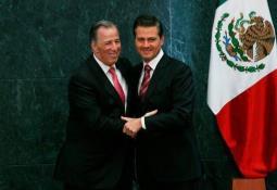 INE ordena suspender promoción personalizada de AMLO