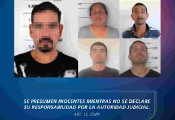 Sujetos asaltan taxi en el Estado de México