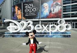 Hija de Stan Lee apoya a Sony por el mal trato de Disney a su padre