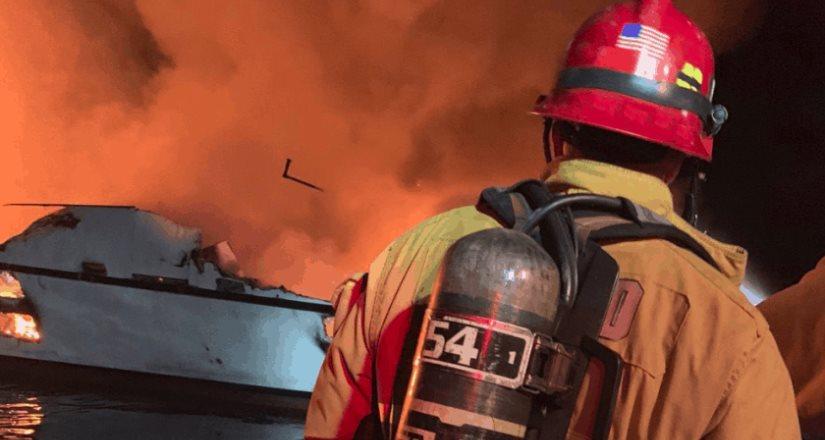 Temen que 34 pasajeros de un barco hayan perecido en incendio cerca de Los Ángeles