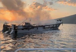 Solo falta localizar en último de los cuerpos del barco incendiado