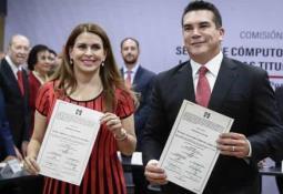 Morena presenta iniciativa para cobrar IVA a Uber, Amazon y Netflix