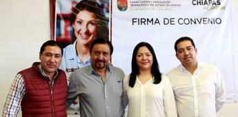 Amarran y arrastran a alcalde en Chiapas