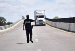 Cuestionan la instalación de retenes policíacos en Tecate