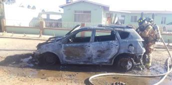 Se incendia un vehículo en el fraccionamiento San Quintín