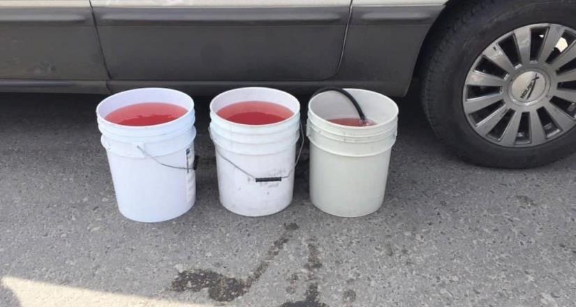 Gasolina rebajada daña 50 vehículos en Edomex