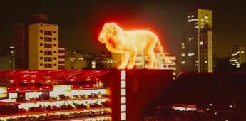 Asombroso León de fuego en inauguración de estadio