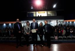 Estudiantes mexicanos participan en la graduación más grande del mundo