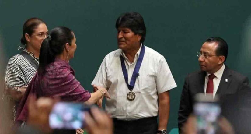 Desde el exilio, llama a diálogo en Bolivia para superar crisis