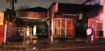 Incendio consume taller y vivienda en la colonia Bueno Aires Sur