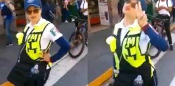 Policía de Tránsito se vuelve viral por posar ante la cámara