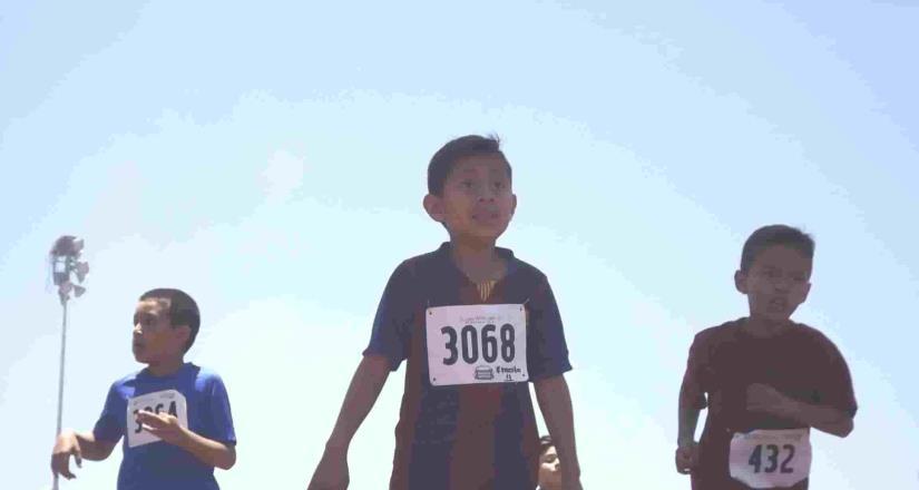 Celebra APANAC su carrera infantil