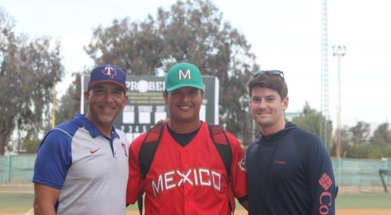 Contrata Rangers a jugador  en showcase en Tijuana