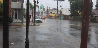 Fuertes lluvias dejan encharcamientos en la ciudad