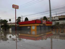 Lluvias en Tijuana provoca encharcamientos en Fraccionamiento Casa Grande