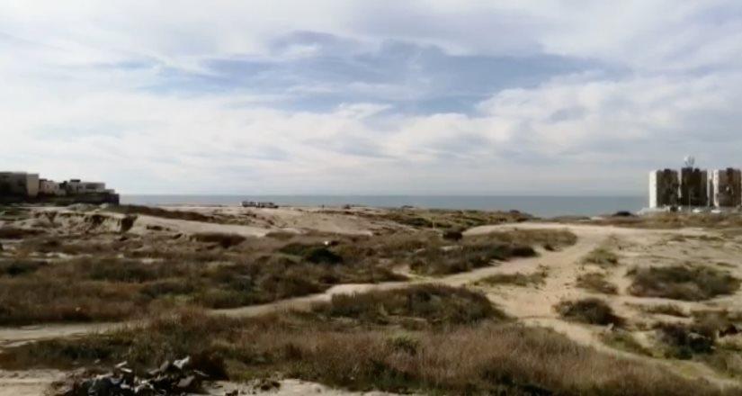 Localizan cuerpo en Playas de Tijuana, quedo atrapado en un cumulo de tierra