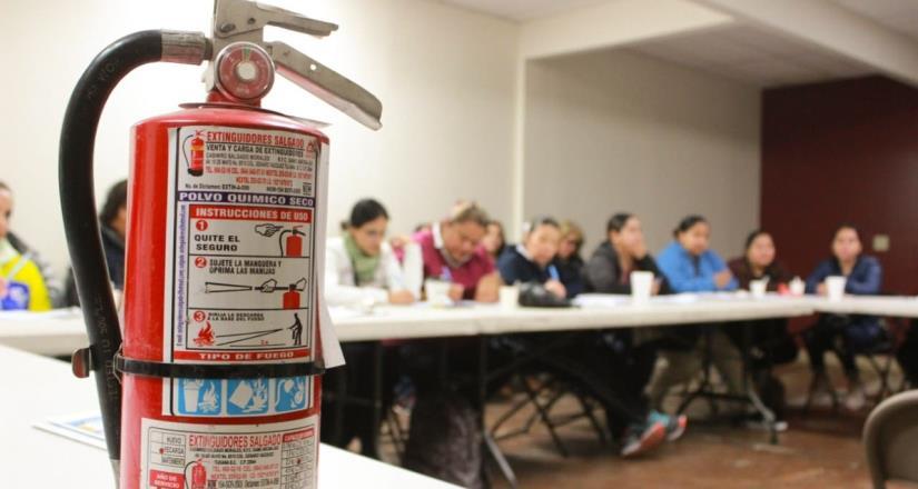 Sistema DIF imparte curso de manejo de extintores en Centros comunitarios y estancias infantiles