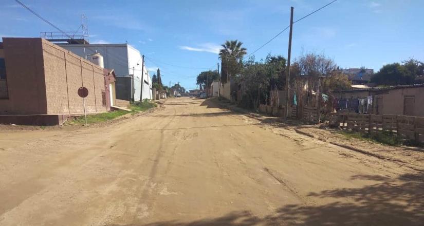 Rehabilitan calles en delegaciones de la región sur