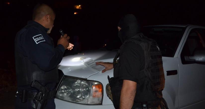 Triple detención por circular en un vehículo robado