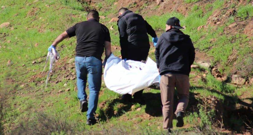Localizan dos cuerpos en el blvd. Alberto Limón Padilla, reportan que tenían 3 días en el lugar.