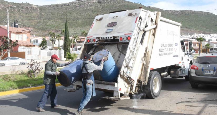 Acumulación de basura contamina afluentes de agua