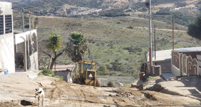 Realiza el Ayuntamiento raspado de calles en la Popular 89